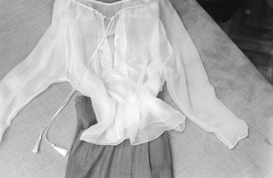 Blouse rebrodée de perles d'après les dessins de Sonia Delaunay