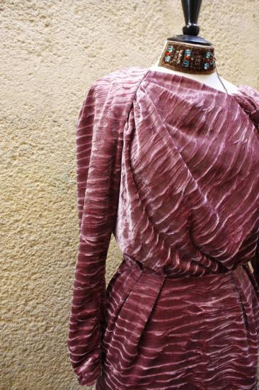 _Détail robe drapée
